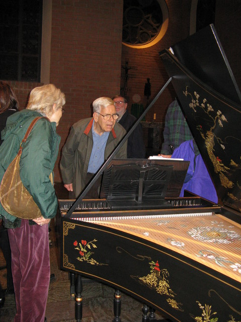 Viewing the harpsichord