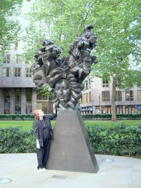 Karen with the statue dedicated to Henry Purcell (1659-1695) a block away in the park. We've spent a week with history, Handel and living on the same street as Purcell!